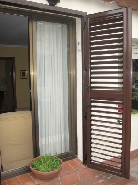 Lamas de aluminio para puertas materiales de - Puertas mallorquinas ...